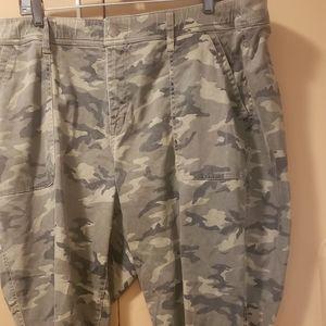 NWOT plus-size camo studded pants Lane Bryant